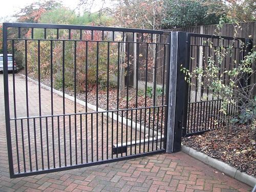 Gate Hinge Protector